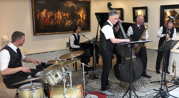 Jazzkwintet Play it hard in actie.