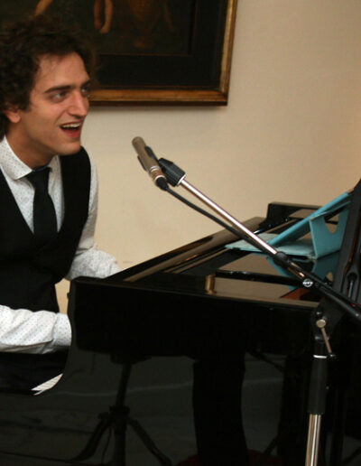 Vincent Grit, pianist van Play it hard.