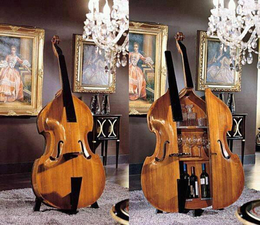 A bar in the form of a double bass.