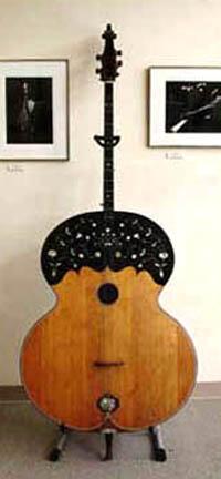 A Croatian bass guitar.