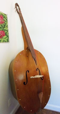 A double bass with screws.
