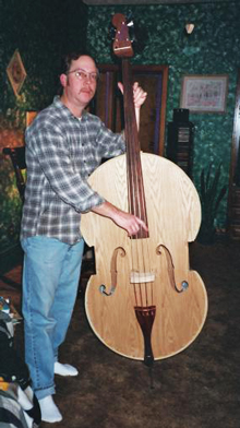 A double bass made of triplex.