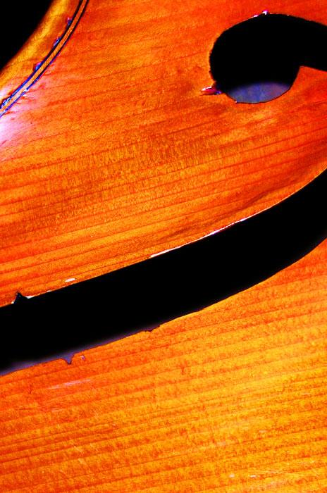Bass solo: the Baumgarten bass