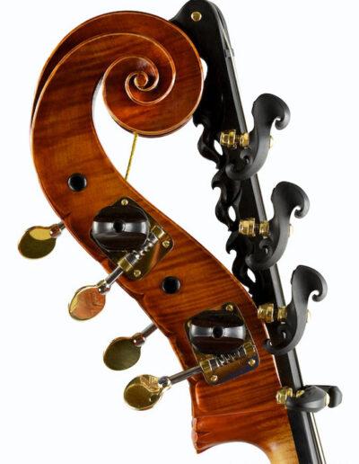 Bass head Lamario